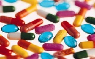 различные медикаменты для лечения ларингита