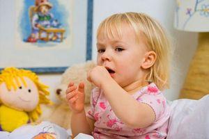 девочку мучает кашель