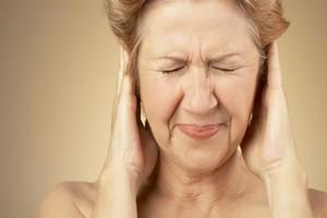 юолевые ощущения в ушах у женщины
