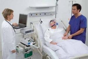 больному проводится сеанс кислородотерапии