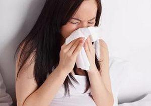 у девушки первые признаки простуды