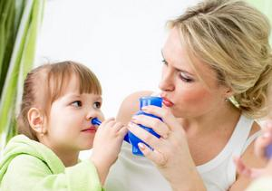 промывание носа девочке