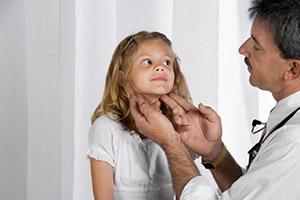 осмотр лимфоузлов ребенка