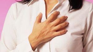 При дыхании болит грудь